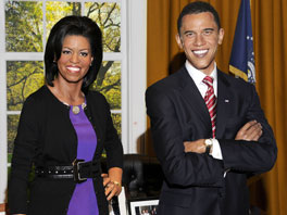 Obama-with-his-wife-michelle-wax-statue