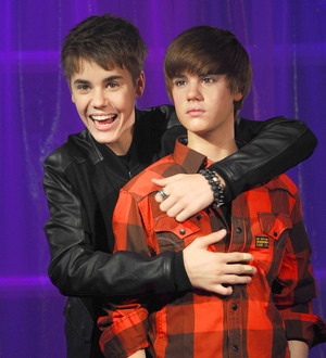 justin-bieber-wax-statue-in-madame-tussauds
