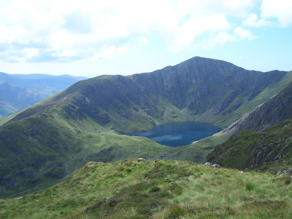 snowdonia-cader-idris-highlands-are-greener