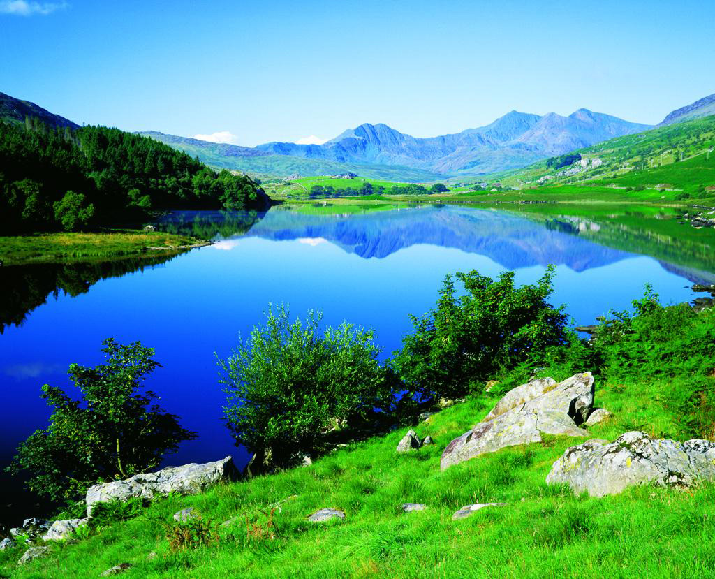 snowdonia-national-park--in-UK