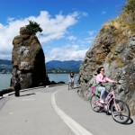Biking-at-stanely-park-in-Vancouver