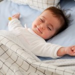 baby-sleep-looks-very-cute