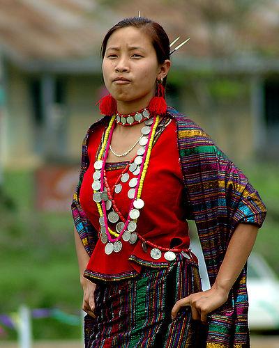 Arunachal-Pradesh-traditional-clothing